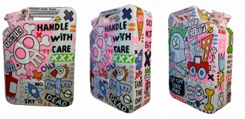Handle With Care 34x47x16 cm